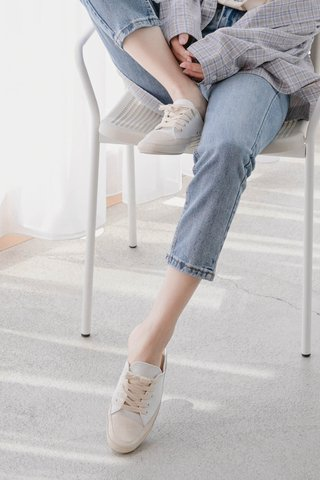 A LITTLE DAY SNEAKER MULES IN MILK
