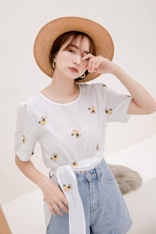(BACKORDER) SUNDAY KOREA FLORAL EMBROIDERY TOP IN WHITE