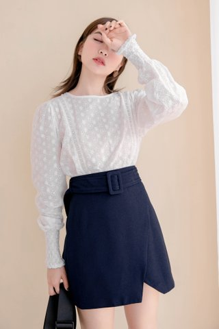 MERCI KR BELTED SKIRT IN NAVY BLUE