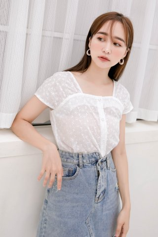 BUTTER DE KR EYELET TOP IN WHITE