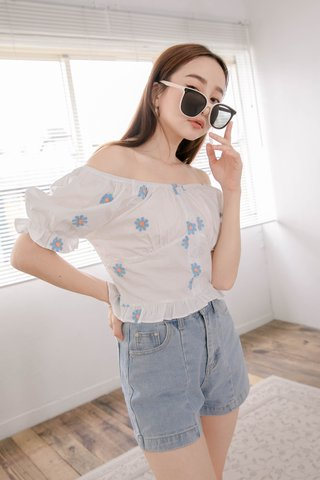 PEANUT KR EMBROIDERY DAISY RUFFLED TOP IN WHITE