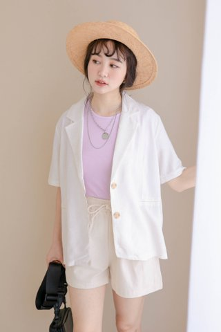 (BACKORDER) HONEY YU KR SHORT SLEEVE BLAZER IN MILK