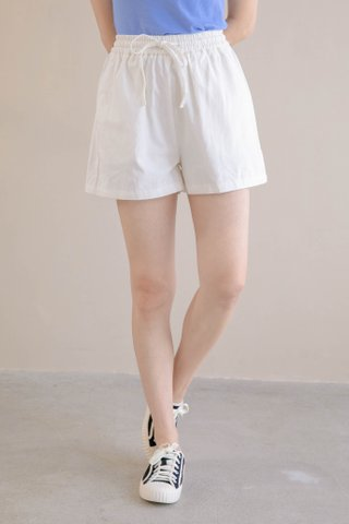 HONEY YU KR -5KG DRAWSTRING SHORTS IN MILK (NG SALES)