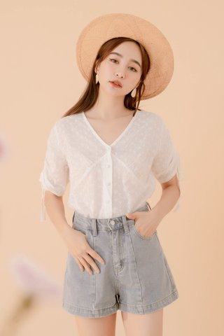 POTATO DE KR EYELET TOP IN WHITE