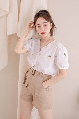 HONEY YU KR FLORAL EMBROIDERY TOP IN WHITE