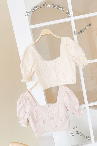 THE BUTTERS KR FRENCH EYELET TOP IN BABY NUDE