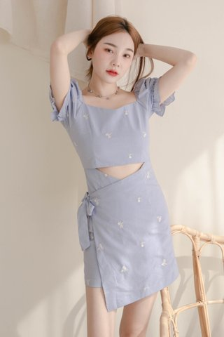 (BACKORDER 2 - S/M/L) VERY VELY KR EMBROIDERY OVERLAP DRESS IN BABY BLUE