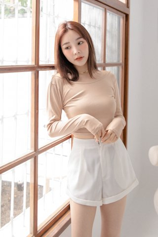 (BACKORDER) HANNAH KR BASIC TOP IN MILK TEA