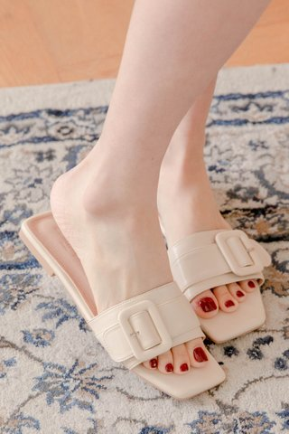 (BACKORDER 35/36/37/38/39/40)365 LATTE KR SQUARE BUCKLE SANDALS IN HONEY MILK