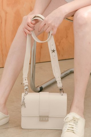 A' EVERYDAY BE WITH YOU BAG IN HONEY MILK