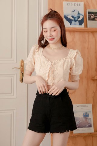 HONEY BAKED KR EYELET TOP IN BUTTER